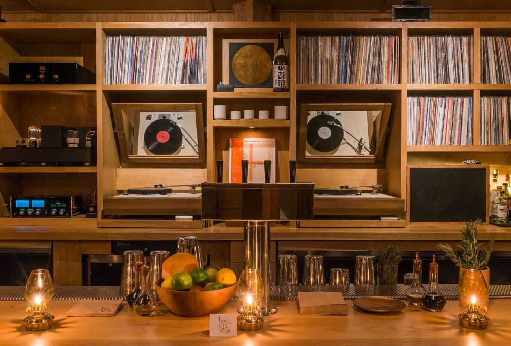 The Best Bars In Los Angeles Right Now Audio Room Sound Room Retro Living Rooms