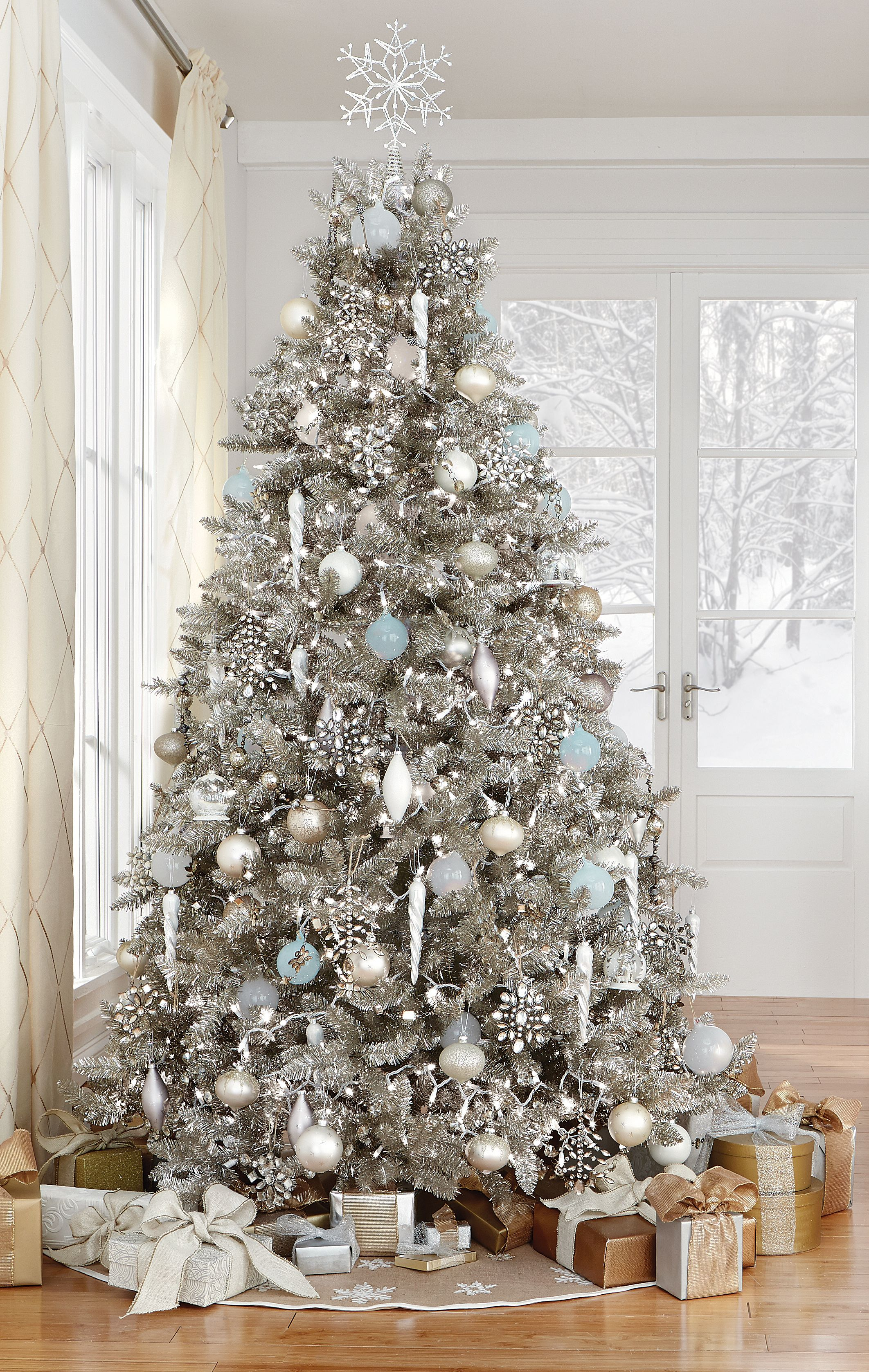 stunning in silver homedecoratorscom holiday2015 - Silver Christmas Tree Decorating Ideas