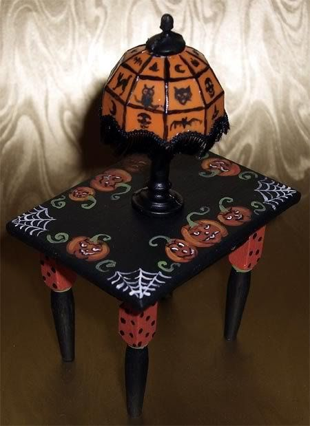 Halloween End Table & Lamp