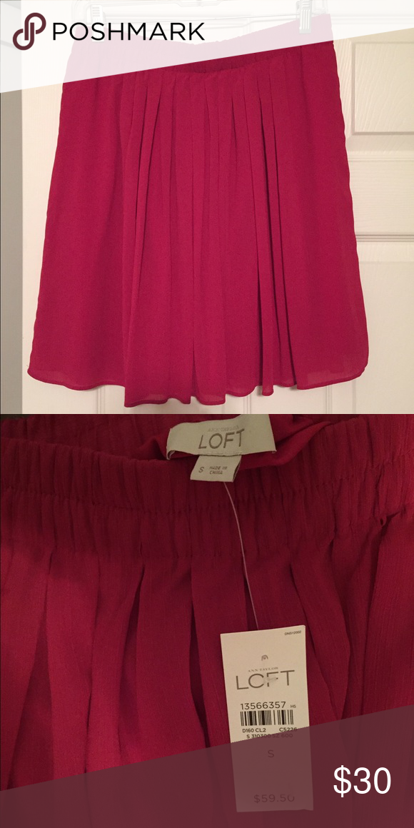 LOFT Chiffon Skirt NEVER WORN- Purchased for sorority recruitment but didn't end up wearing it! beautiful color and light weight material LOFT Skirts Mini