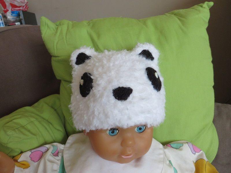 Superzachte witte muts (knuffelbeertje) voor baby van Vacricreations op DaWanda.com