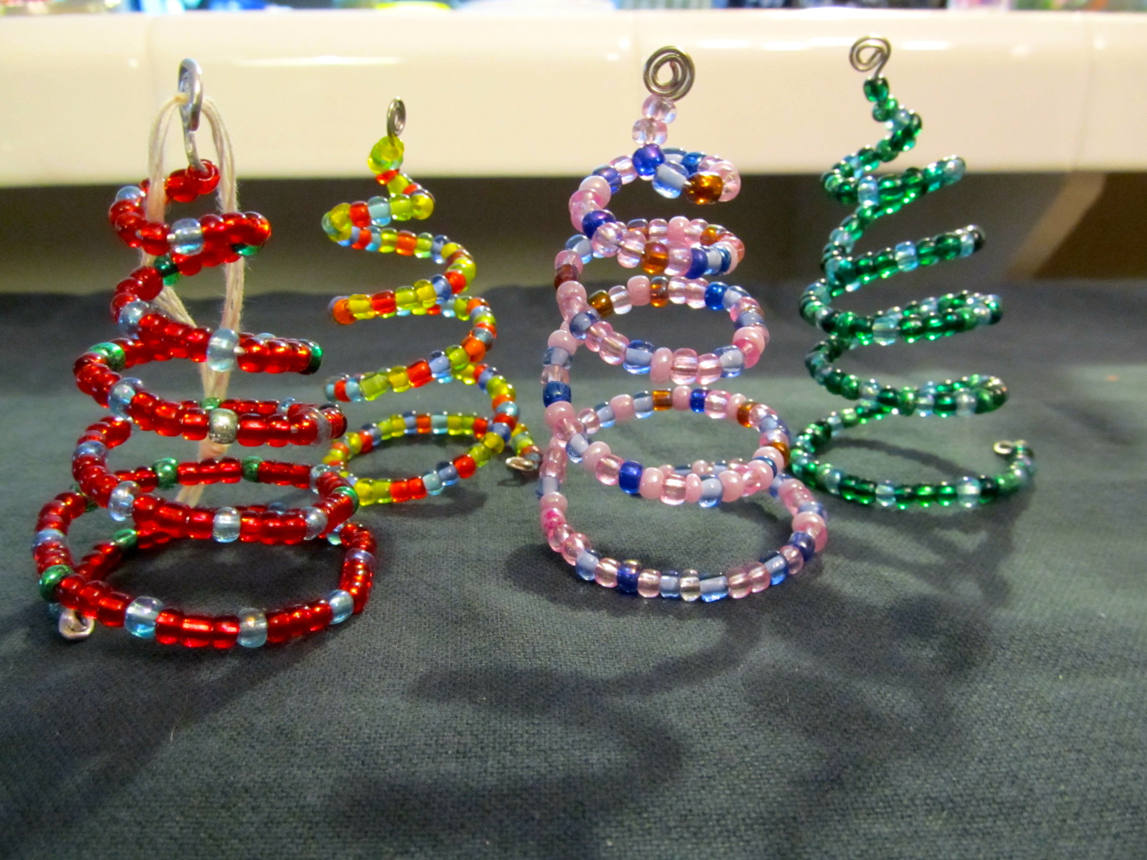 Beaded Christmas Tree Ornaments Tutorial Christmas Crafts Christmas Bead Christmas Ornaments