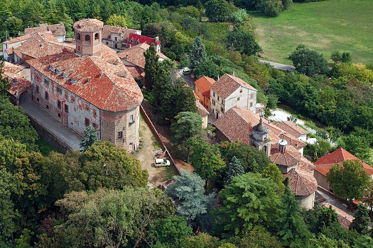 Castle of Calamandrana in the Monferrato wine zone of Piemonte, Italy