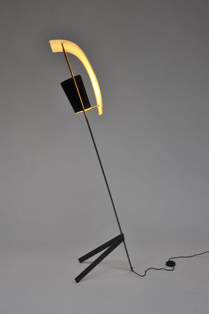 Lampadaire G30, Pierre Guariche (Galerie Pascal Cuisinier) © Galerie Pascal Cuisinier