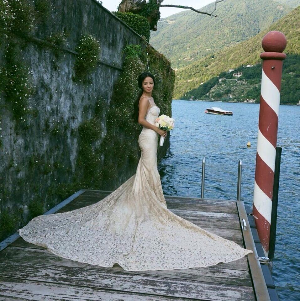 Audella Bride, Karen, wearing Inbal Dror 14-10 on her wedding ...