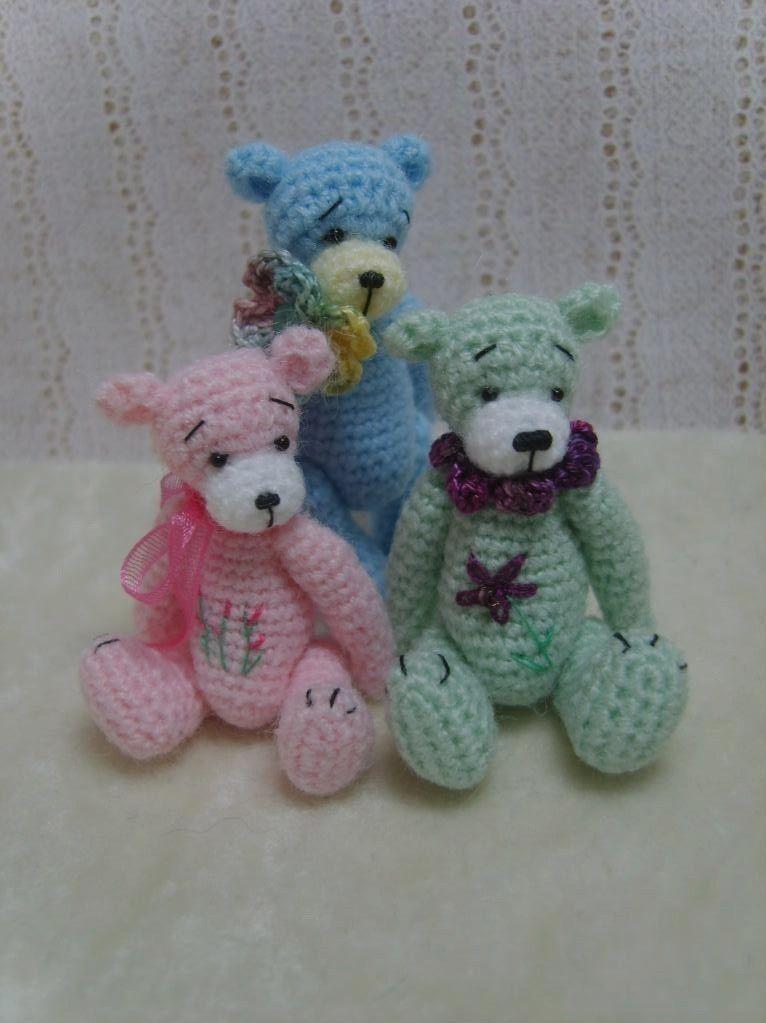 Miniature Crochet THREAD ARTist Madisyn Teddy by thetinytoybox
