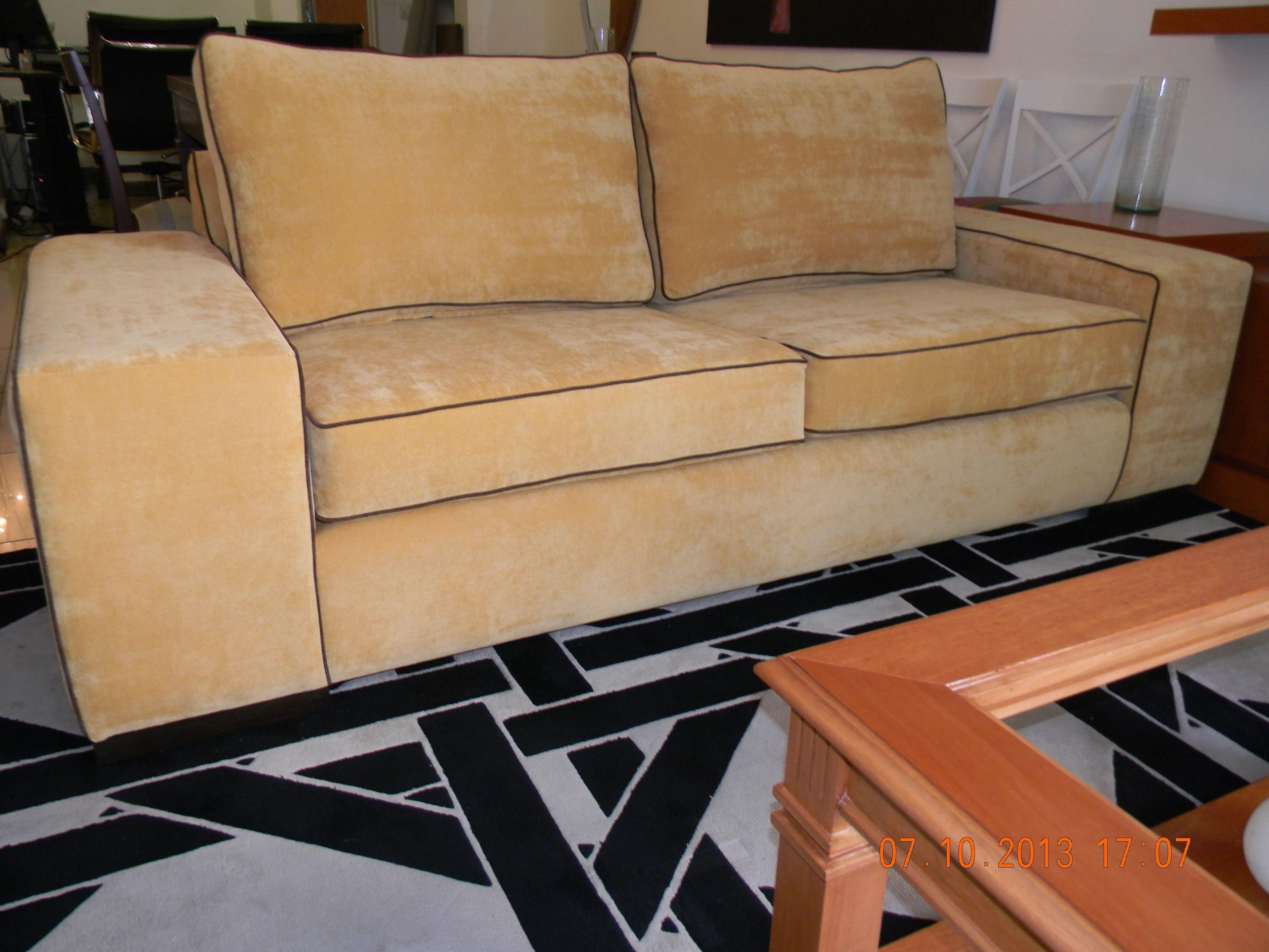 Sofa pana mostaza y vivos chocolate Sofas y Esquineros