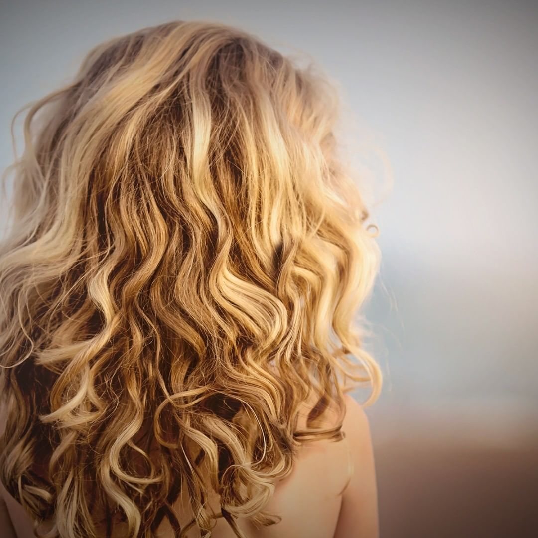 How Much Does A Loose Spiral Perm Cost On An Average The Loose Spiral Perm Costs Anywhere From Loose Perm Short Hair Spiral Perm Long Hair Permed Hairstyles