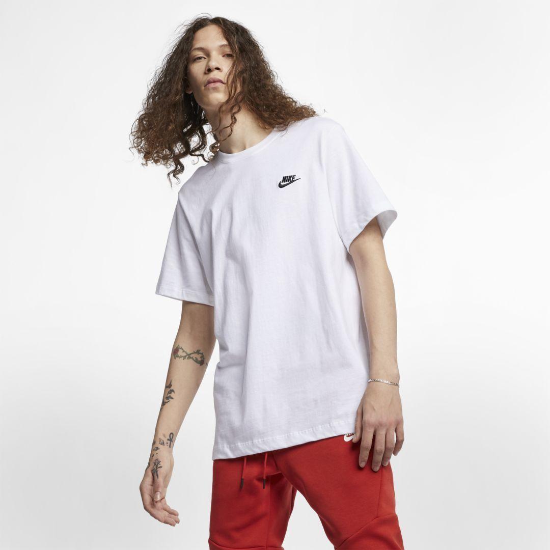 Photo of Nike Sportswear Club Herren T-Shirt (Weiß)