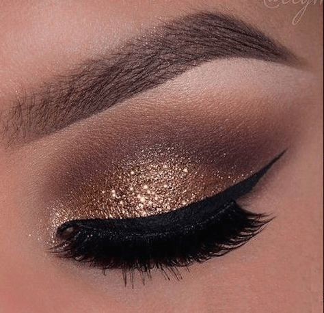 Maquillaje De Noche Con Glitter Dorado Paso A Paso Maquillaje Ojos Marrones Maquillaje Ojos Dorados Maquillaje De Ojos