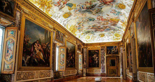 La spettacolare Sala dell'Eneide al piano nobile del palazzo. Foto L.Paciaroni