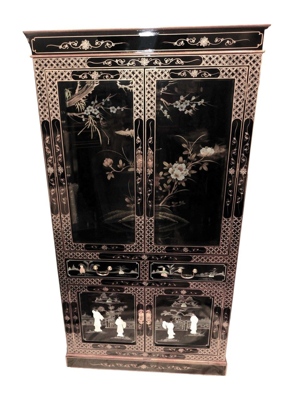 Hand Painted Chinese Lacquer Curio Cabinet Oriental Living Room Crochet Quilt