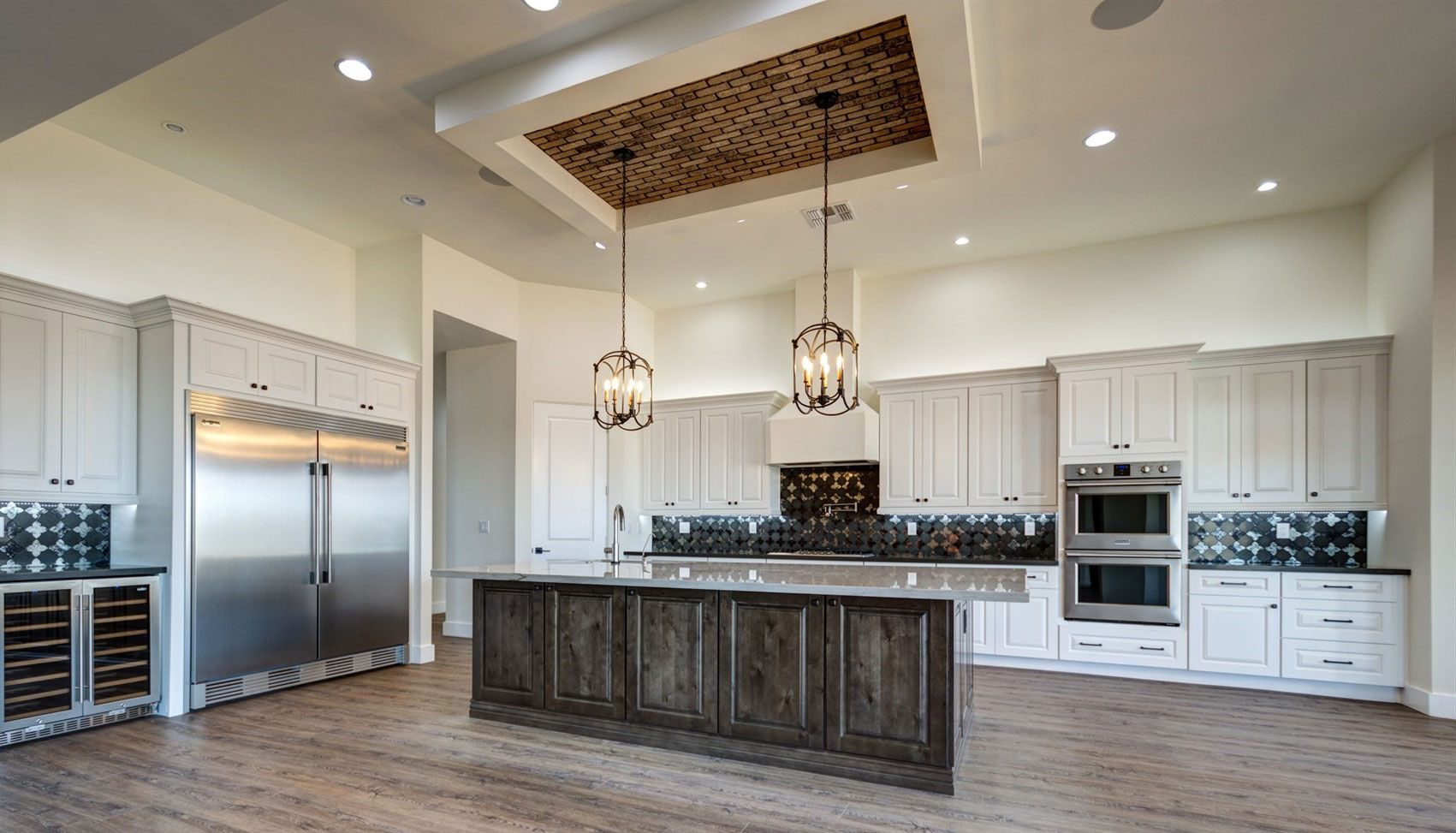Combine Tahoe Ash And Tahoe White Cabinets From Value Series To Create This Beautiful Look In Your Kitche Gourmet Kitchen Design Kitchen Design Custom Kitchens
