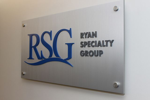 Corporate And Office Lobby Signs Lobby Sign Interior Signs Office Signs
