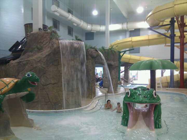 Castle Rock Resort Waterpark In Branson Mo Offers 30 000 Square