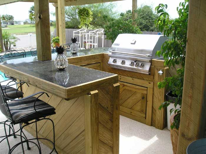 I like the idea of a BBQ bar area Outdoor kitchen design Bbq bar Outdoor kitchen bars