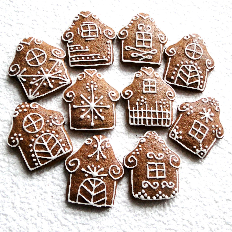 Pern K  Chaloupka Christmas Cake Decorationschristmas