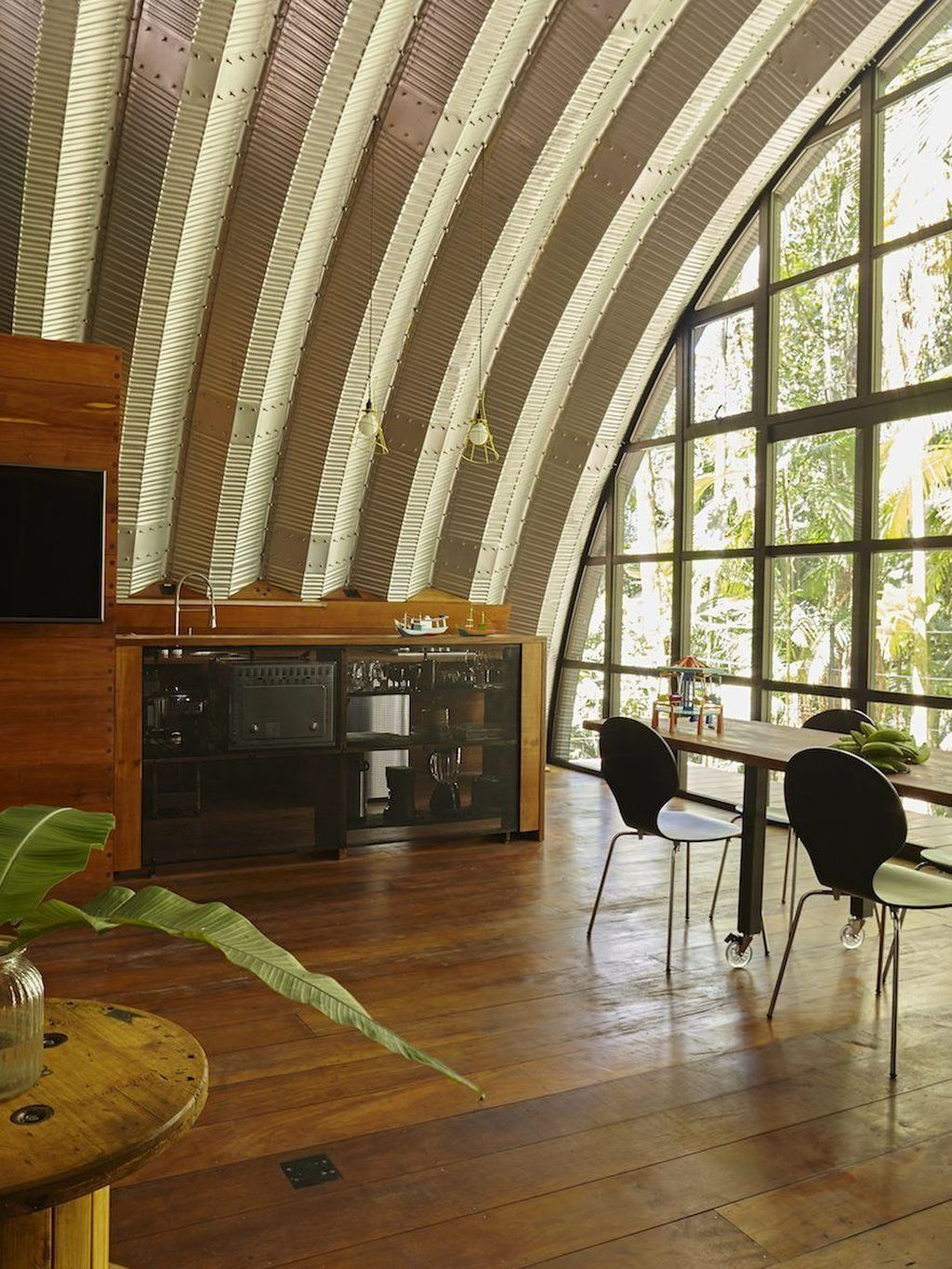 32 Awesome Arched Cabins Interior And Exterior Design Ideas Quonset Hut Homes Arched Cabin Metal Building Homes