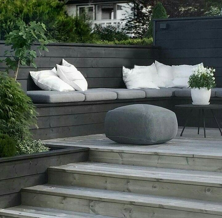 Pin By Kerry Wood On Gardens In 2019 Garden Seating