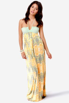 d2d1123903c Great color combo on this maxi dress