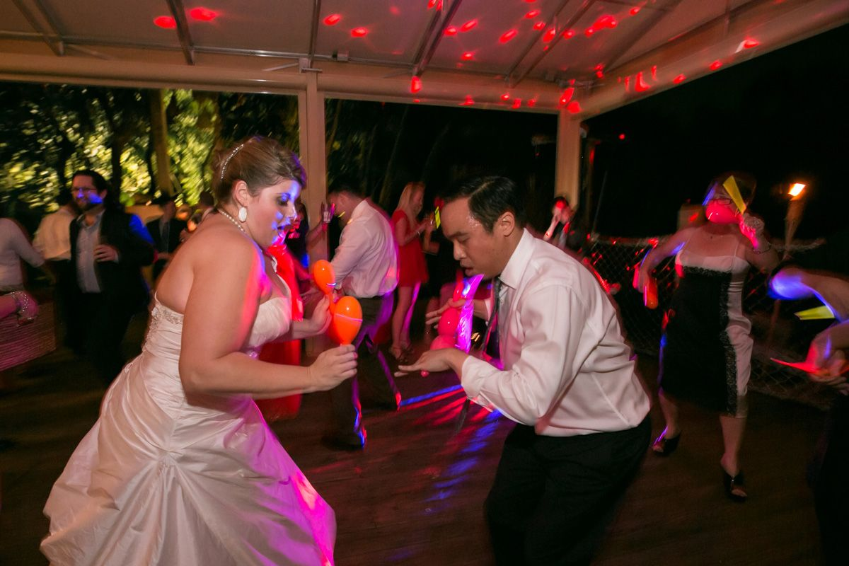 Fun Hora Loca With Maracas And Glow Sticks The Majestic Vision Wedding Planning Palm Beach Zoo In Fl Www Themajesticvision Robert