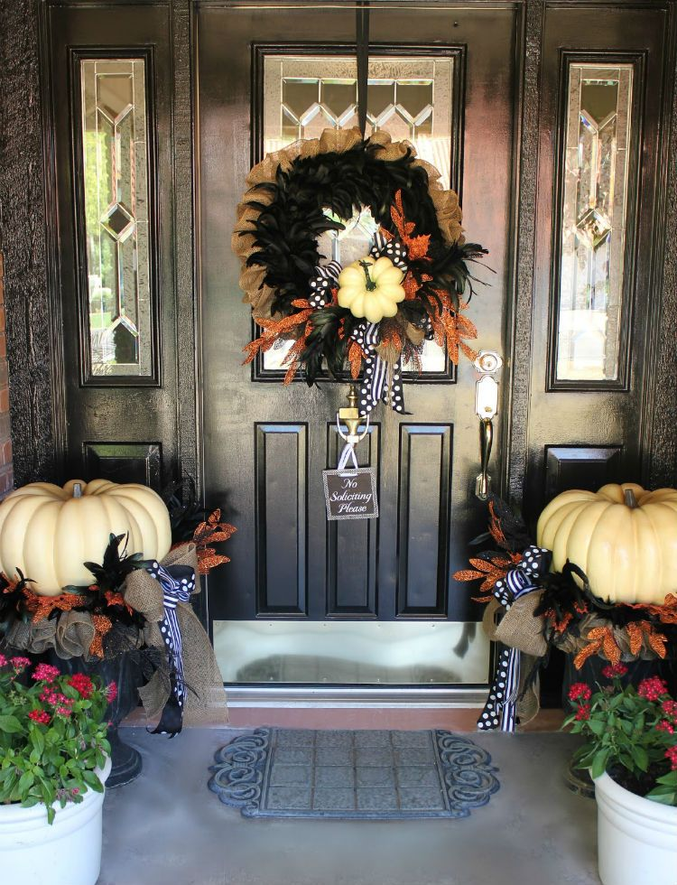 The Best 35 Front Door Decorations For This Halloween Front doors - decorating front door for halloween