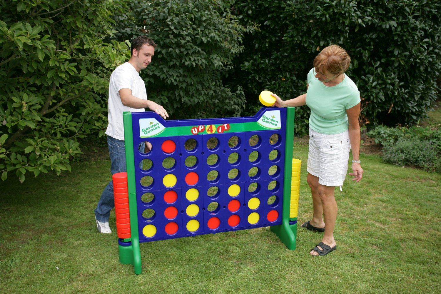 Amazon Com Giant Connect 4 Up 4 It Game Toys Games Giant Games Connect Games Yard Games