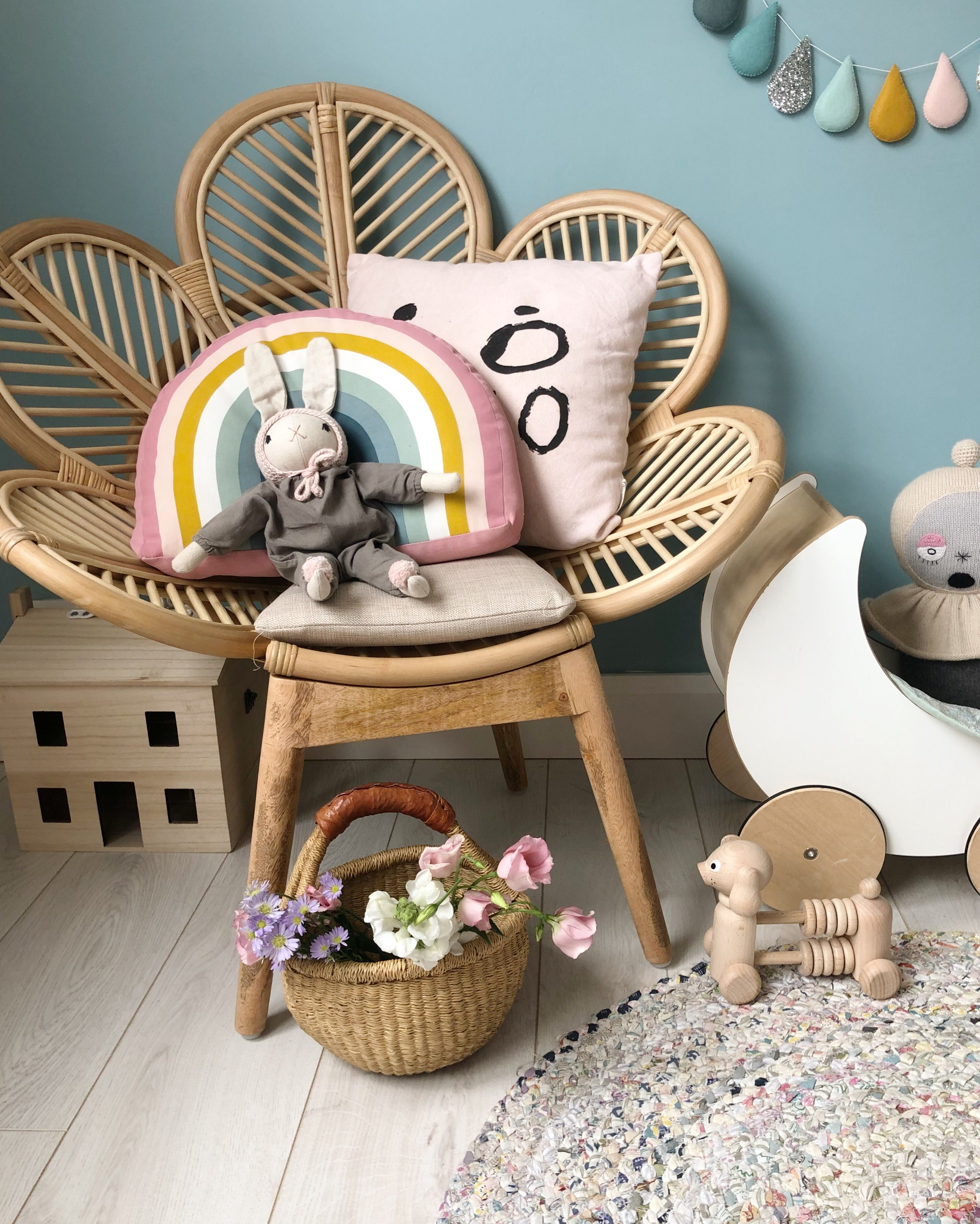 Hanging Chairs In Bedrooms Hanging Chairs In Kids Rooms Swing Chair Bedroom Bedroom Swing Swing Chair For Bedroom