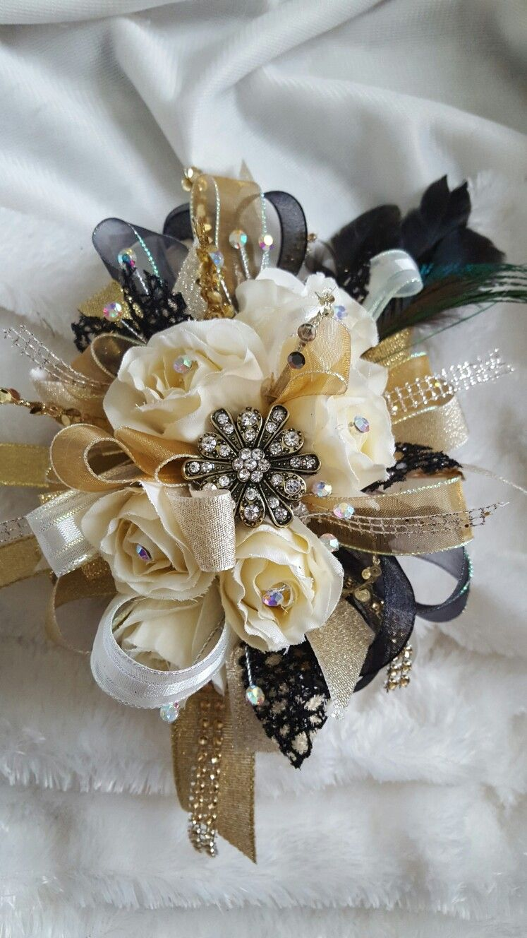 Cream black and gold prom corsage set from Hen House Designs www.henhousedesigns.net #corsages