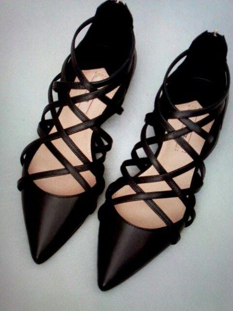 02a0e53aa15 Negros Y Looks Tiras Pinterest Zapatos Susana Negro qY5vUwax ...