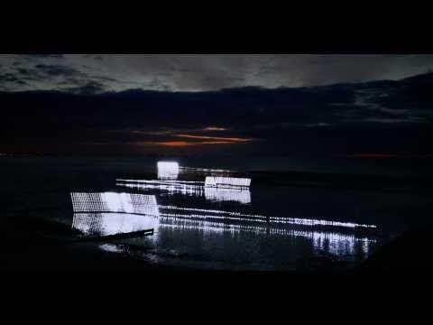 LIGHT ! Human tide, artwork at sea by Marcel Duchamp