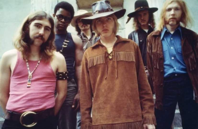 The Allman Brothers Band On The Steps Of Beall House In Macon Ga This Great Twiggs Lyndon Photo Was Taken D Allman Brothers Band Allman Brothers Berry Oakley