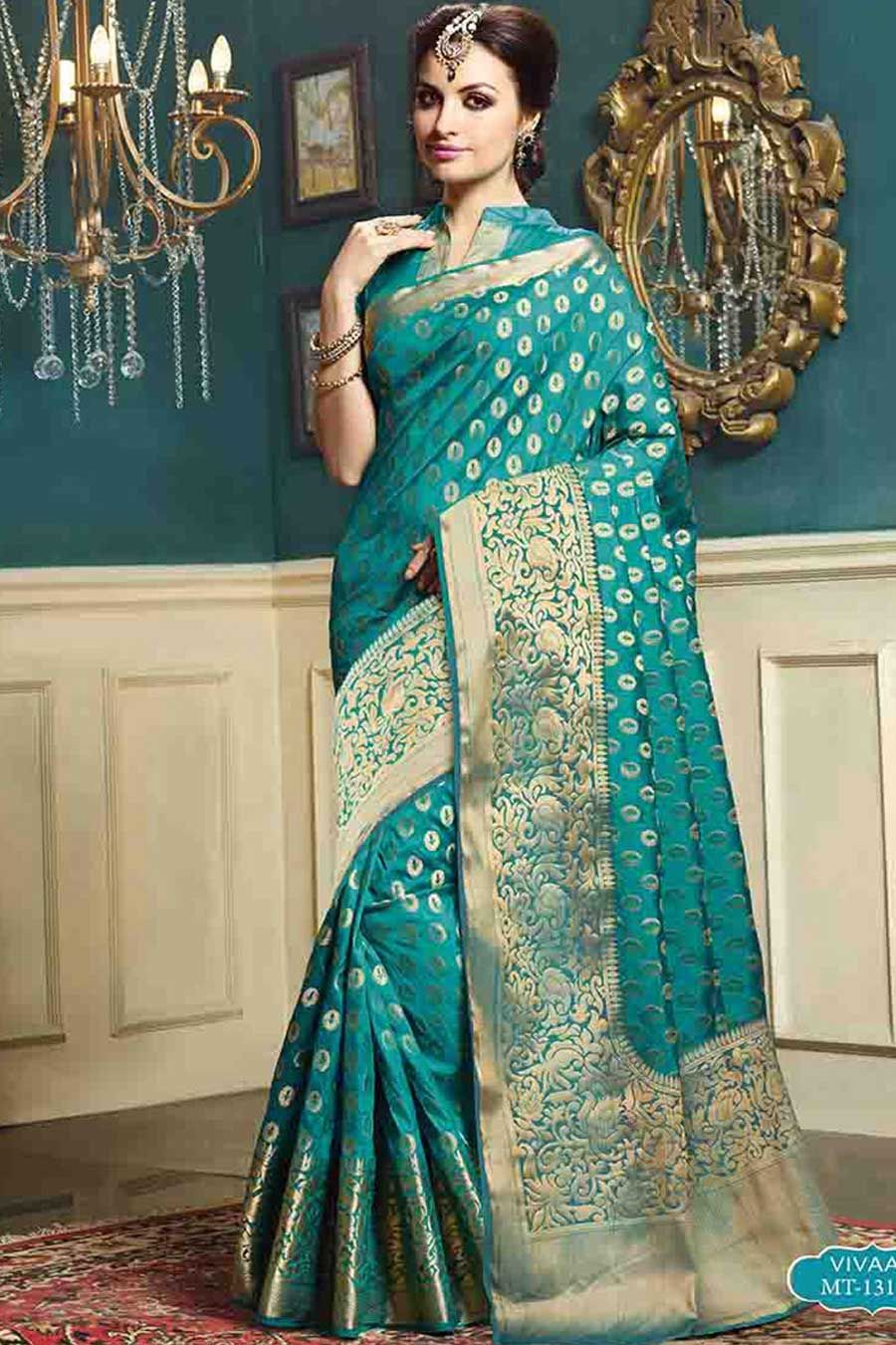 Luxury Kareena Kapoor Wedding Outfit Royal And Traditional Gallery ...