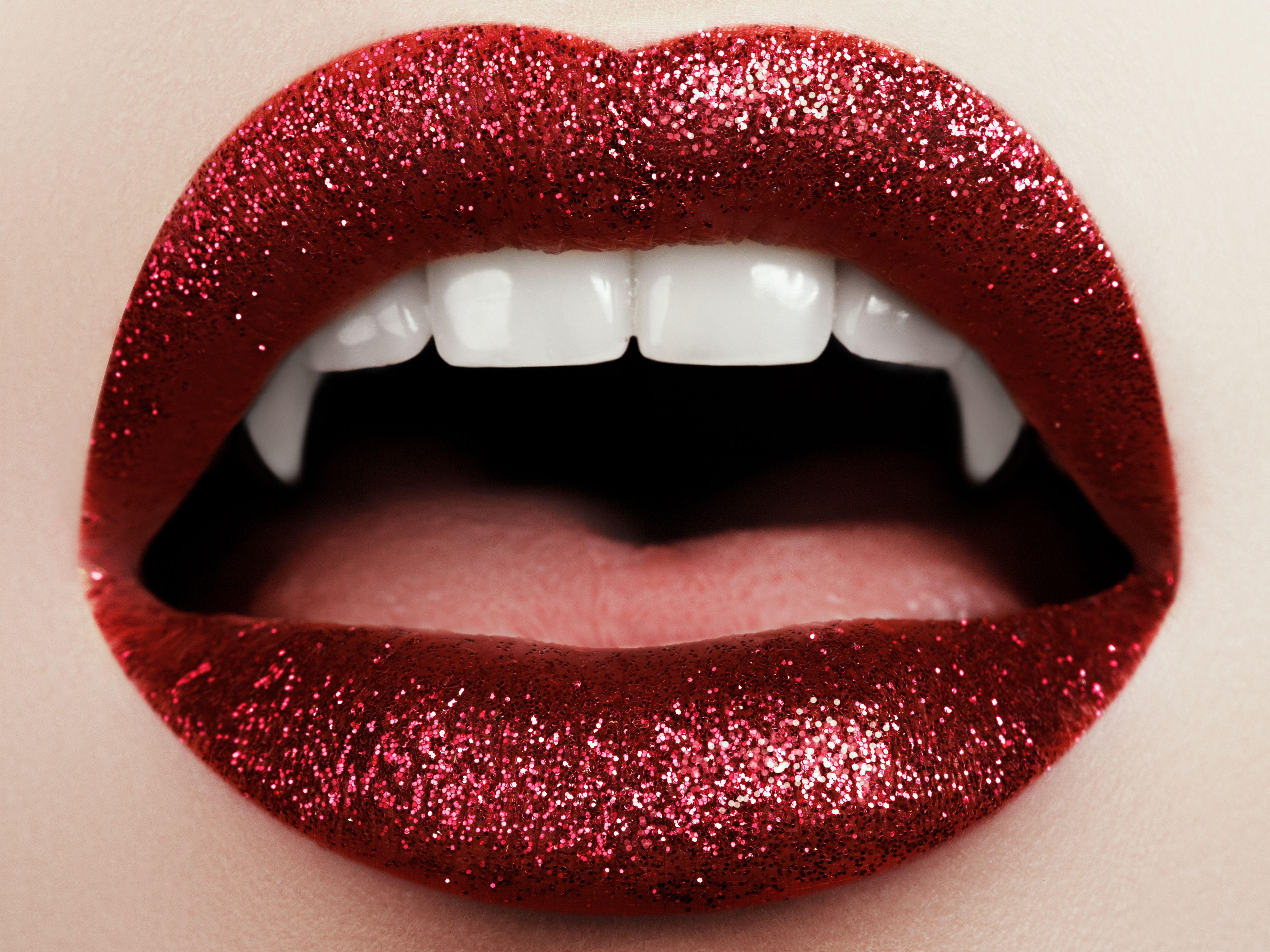 Halloween In Belgie.Halloween Make Up Inspiration Vampire Glitter Makeup