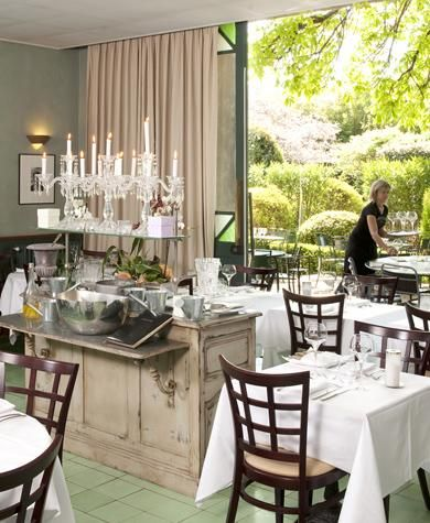 Restaurant le jardin du quais l 39 isle sur la sorgue fantastic restaurant with lovely garden - Le jardin du quai isle sur la sorgue ...