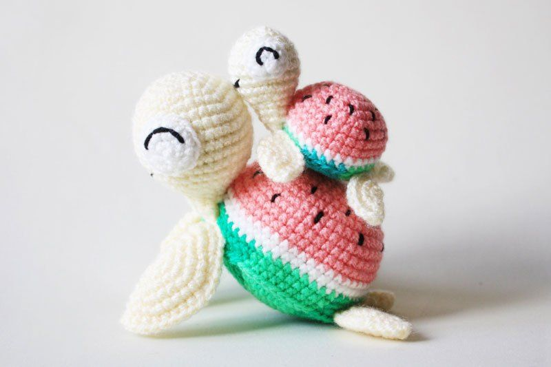 Watermelon turtles amigurumi - free crochet patterns | poufs ...