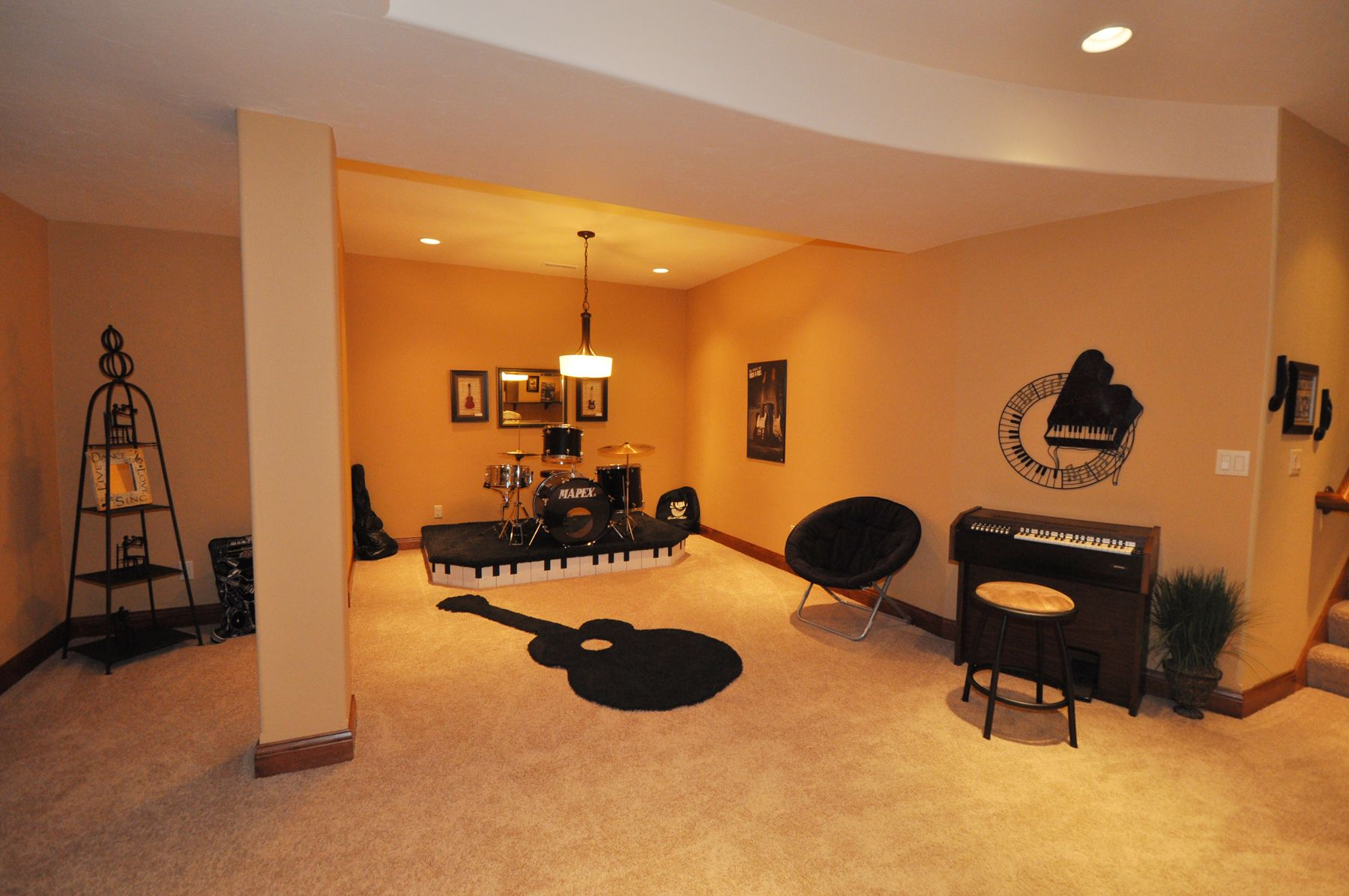 Victory Homes of Wisconsin, Inc. The Linden Lower level