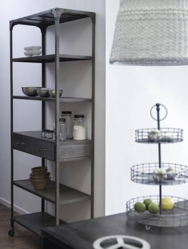 Metalen Stellingkast Keuken.Industrieele Stellingkast Voor In De Keuken Industrieel Eerste