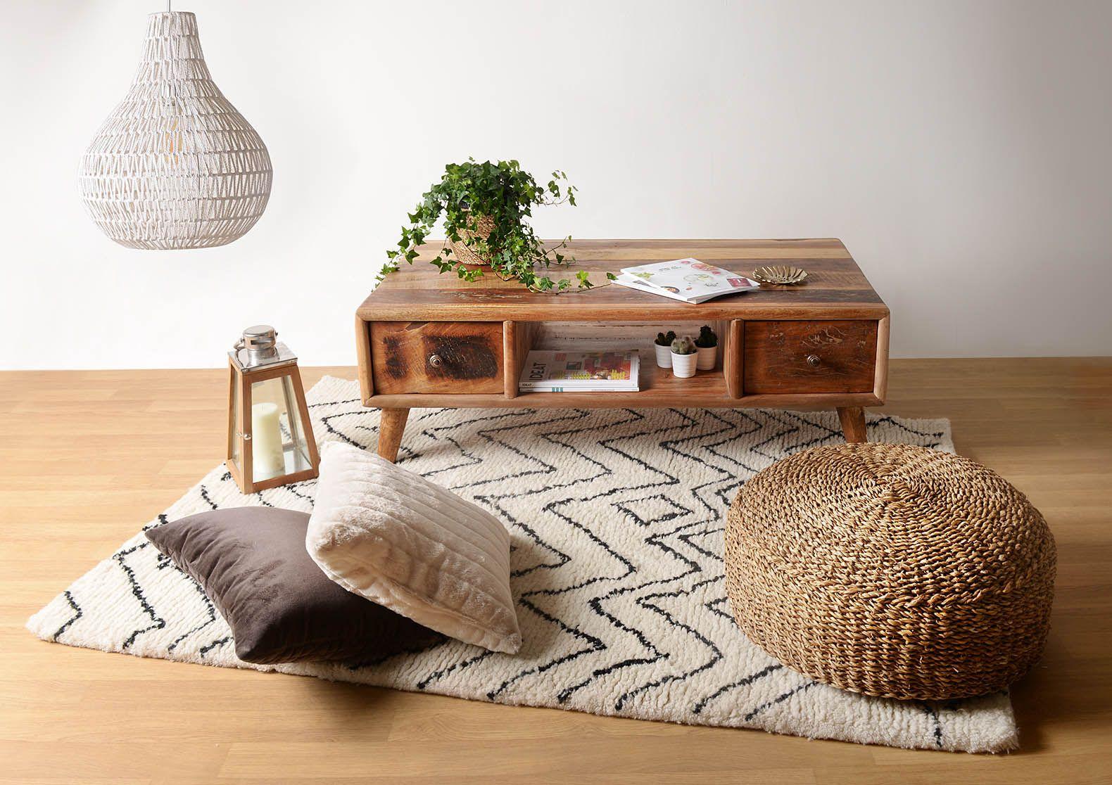 sur tapis Une notre basse recyclé en bois joli posé table PwXk80On