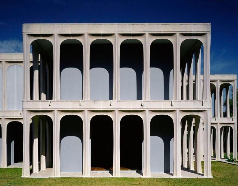 PHILIP JOHNSON, Kentmere House, Dallas, Texas, USA, 1966 - #archilovers #architect #architectural #architecture #arquilovers #arquitectos #arquitectura #arquiteturadeinteriores #arquiteturaeurbanismo #atlas #beauty #eberle #house #interiors #Johnson #kentmere #modern #of #philip #postmodern #postmoderne #postmodernism #todd #world