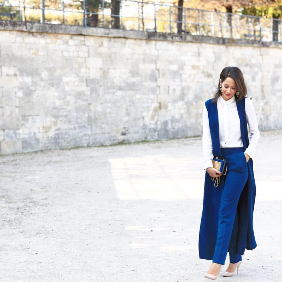 """ELIE SAAB on Instagram: """"#Regram from @larmoiredelana out in Paris in a peacock blue Autumn Winter gilet, pants & a matching clutch #pfw"""""""
