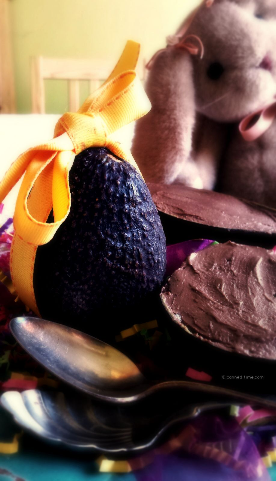 5 Ingredient Raw Avocado Chocolate Pudding Easter Eggs