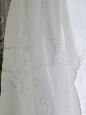 """Antique French Whitework Fine Linen Tablecloth Broderie Anglaise Lace 91 x 67"""" 