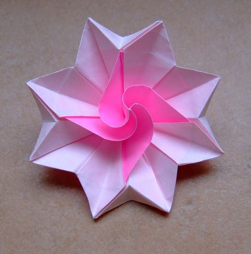 Origami flower origami tutorials 3 pinterest origami origami origami flower by evi binzinger no diagrams this artist makes such wonderful designs i wish she would publish a book mightylinksfo