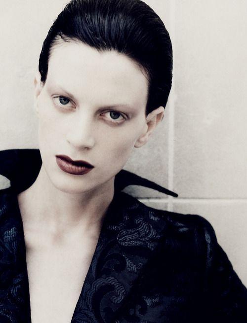"""Kristen Mcmenamy Vogue Paris September 1994 """"Lignes de mire"""" Photographer: Juergen Teller"""
