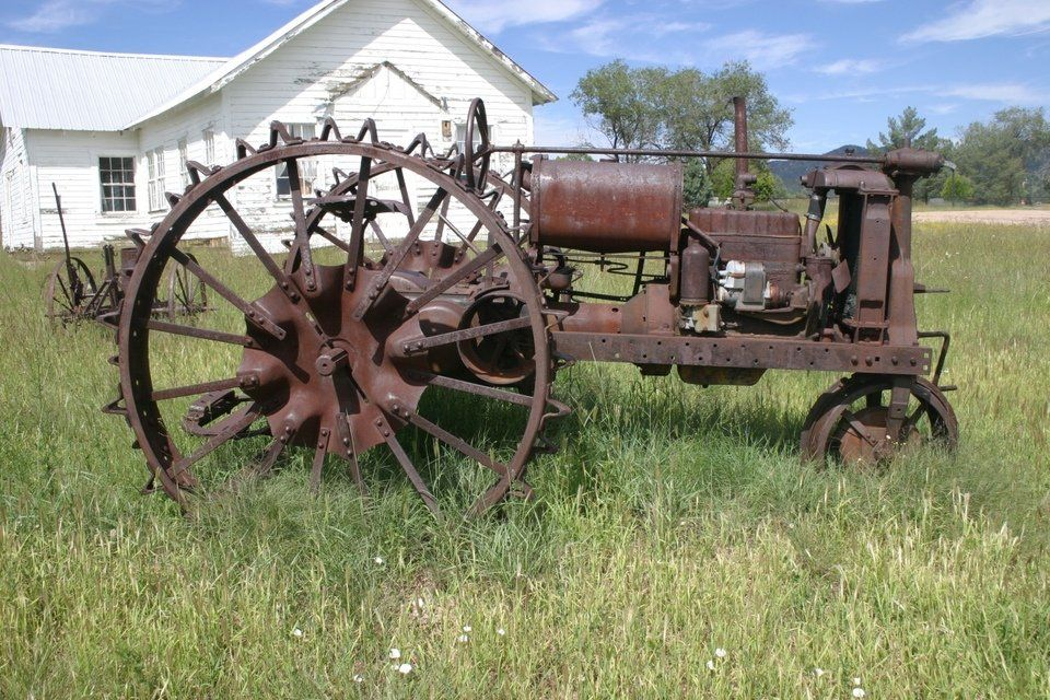 Antique Tractor Steel Wheels : Young az old tractor steel wheels w spikes wouldn t