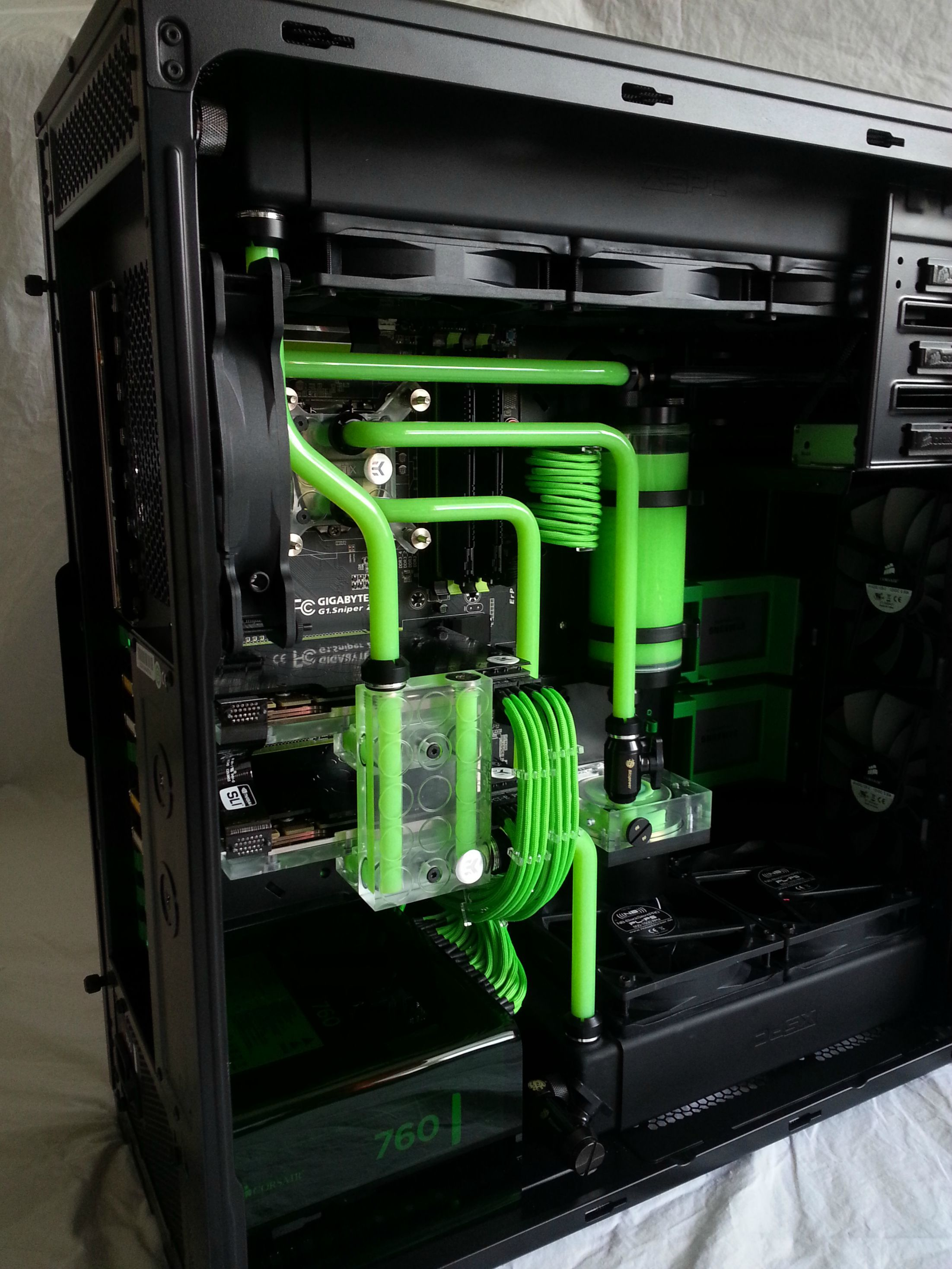 Simply Green Custom Gaming Computer Custom Computer Gaming Computer Setup