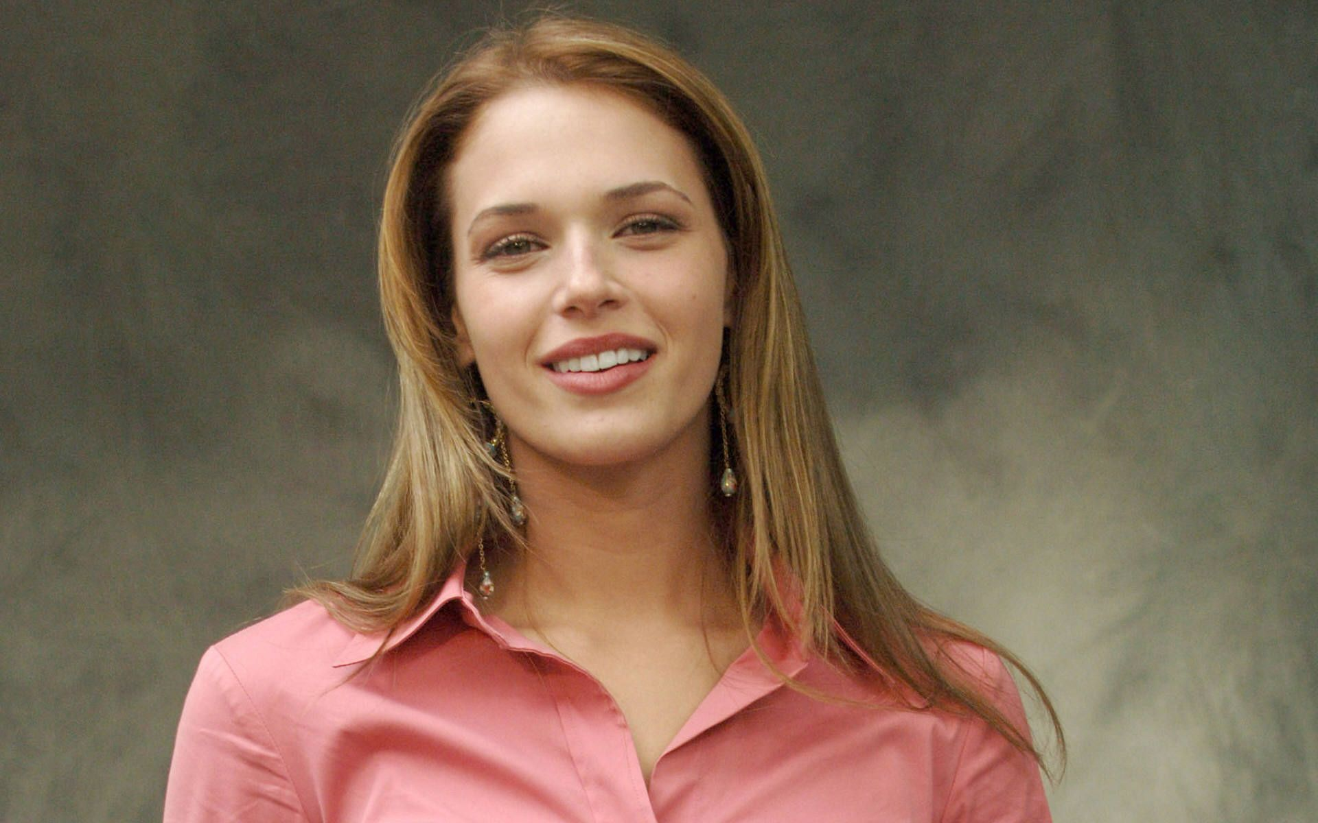 Hd Amanda Righetti Hq Wallpapers Screen Savers After Baby CloudPix