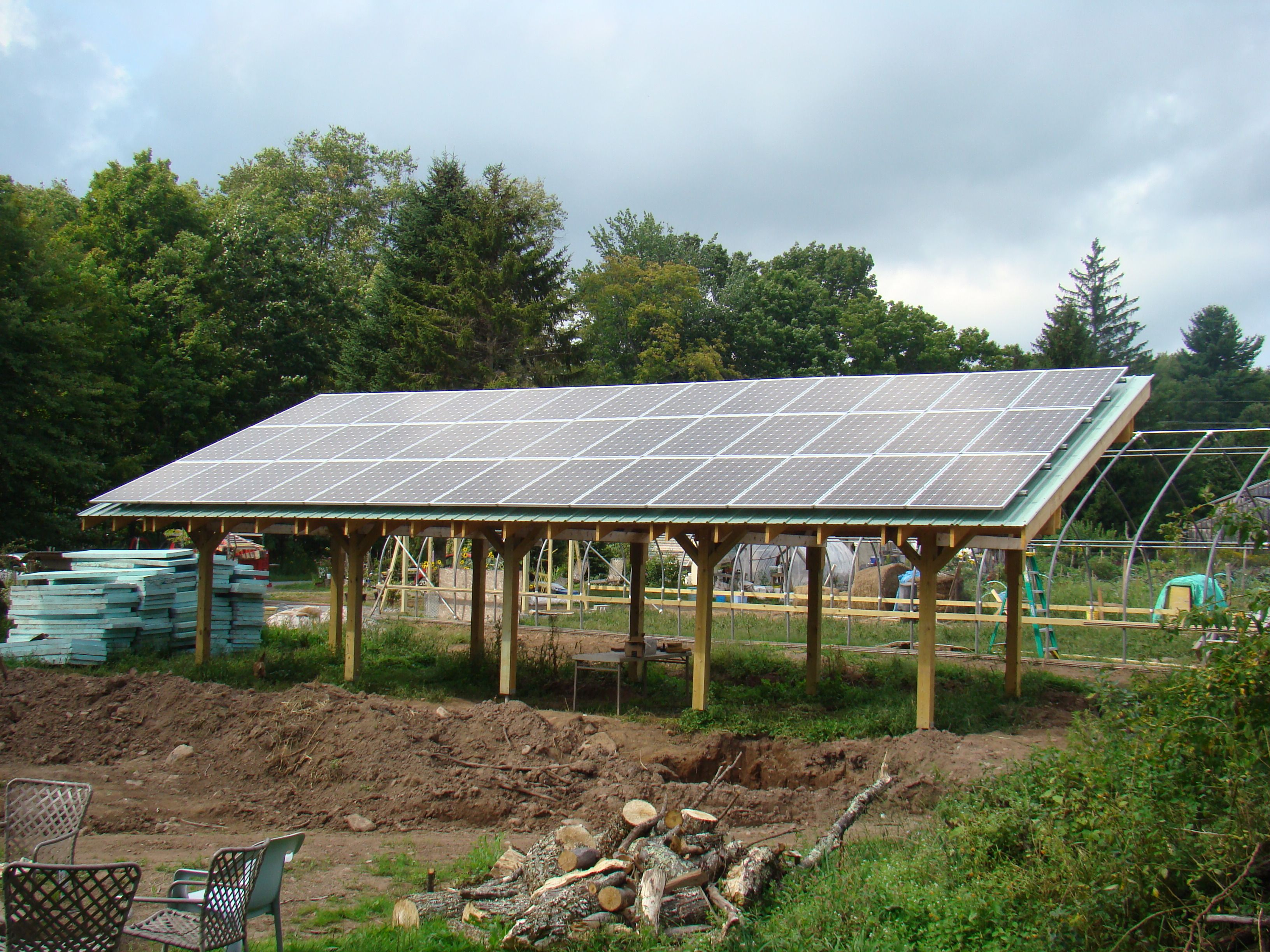 10 14kw Ground Mounted Pv System Root N Roost Farm In White Sulphur Springs Ny Built By Solar Alchemy I Free Solar Panels Solar Panels Roof Solar Panels