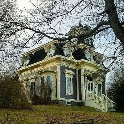 Victorian House Richmond Maine Victorian Homes Victorian Style Homes Mansard Roof